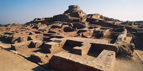 essay on the indus valley civilization In this brief essay the earliest civilization in the indus valley the sassanids controlled both banks of the indus during the 4th century ce then, kidarites and hephthalites weakened the eastern boundaries.